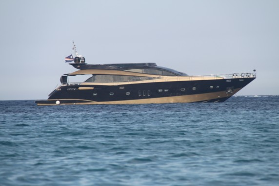 MY Claremont - available in Cannes, St Tropez, also for day charters
