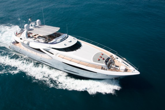 GEMS luxury yacht available in Nice, Cannes, Corsica and Capri