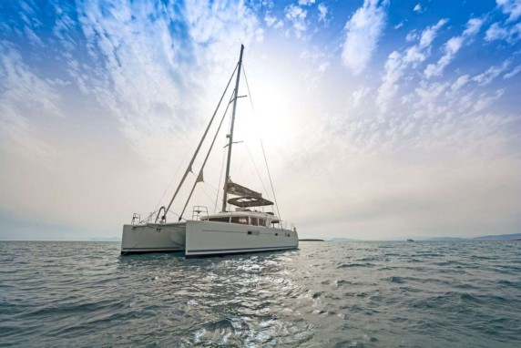 Metliti Catamaran for charter in Greece - Athens - Lefkas - Mykonos