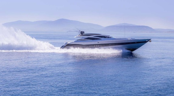 Z2 Fast yacht for Charter in Athens - Mykonos - Naxos